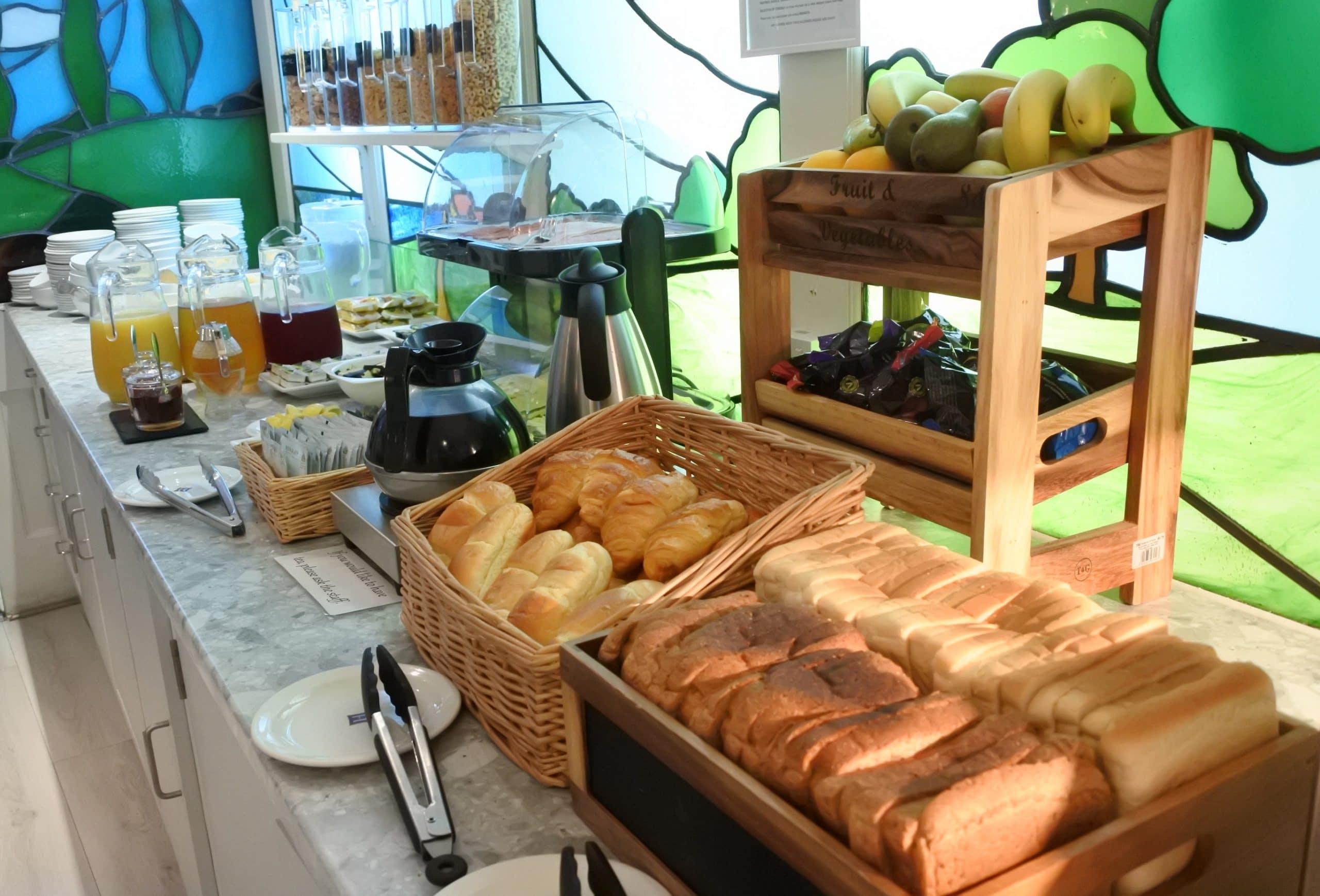 Breakfast at The Harlingford